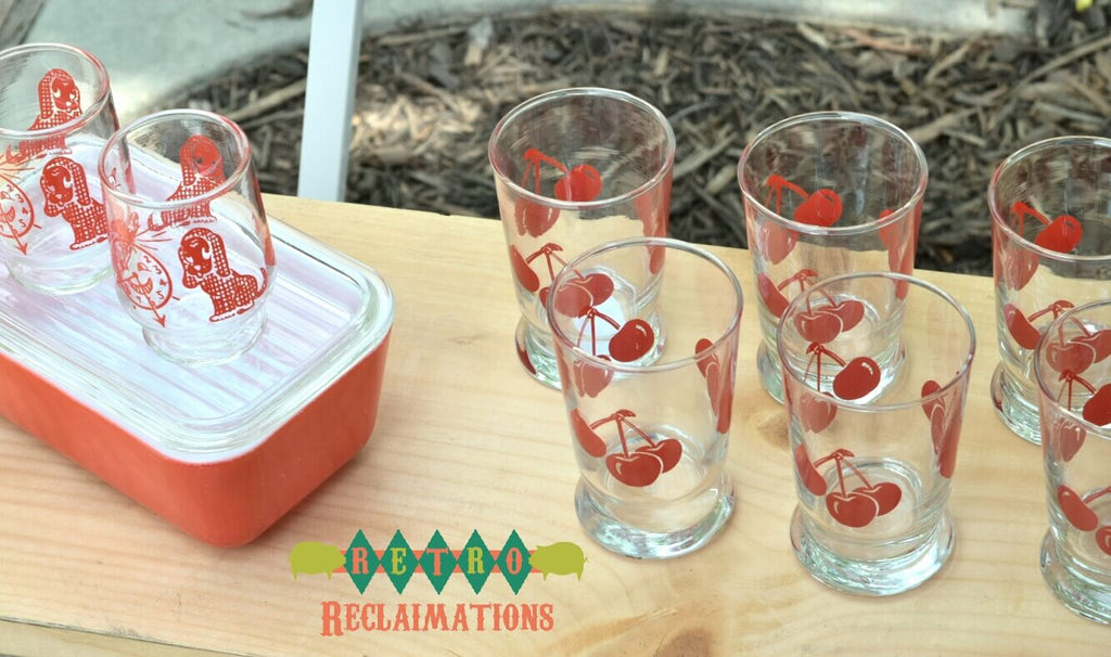 Image-RetroReclaimations.com Booth-The Vintage Market at the Park-vintage glassware