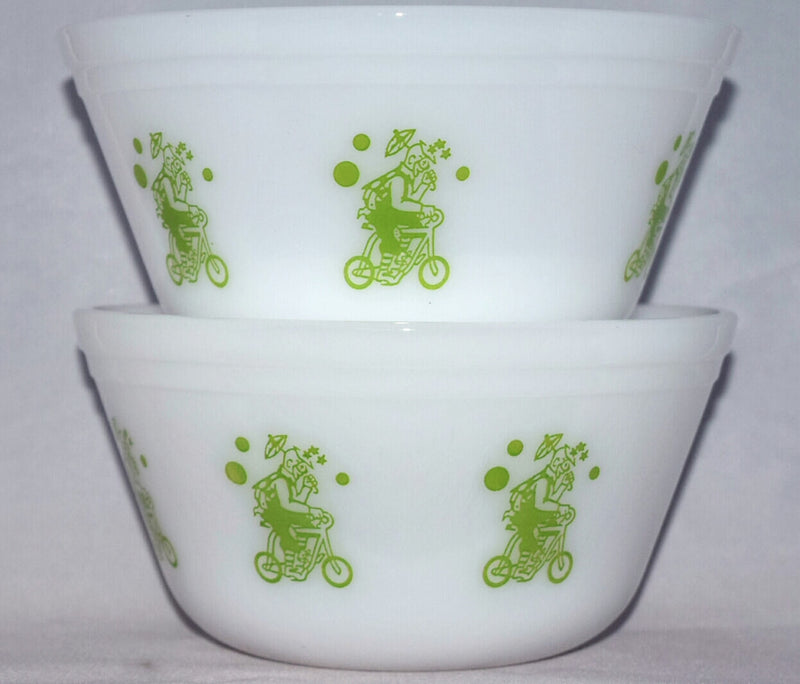 Vintage Glassware-Federal Glass-Mixing Bowl-Circus-Clown-Lime-Green