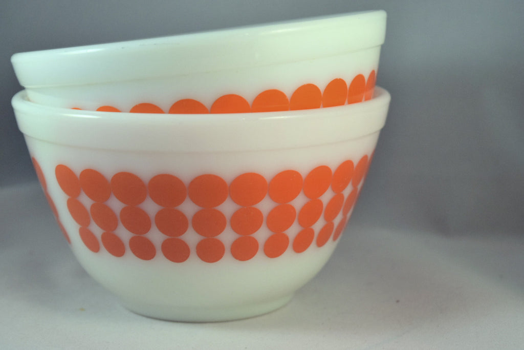 Vintage Glassware-Pyrex-Mixing-Nesting-Bowl-Orange Dot - Retro Reclaimations - 2