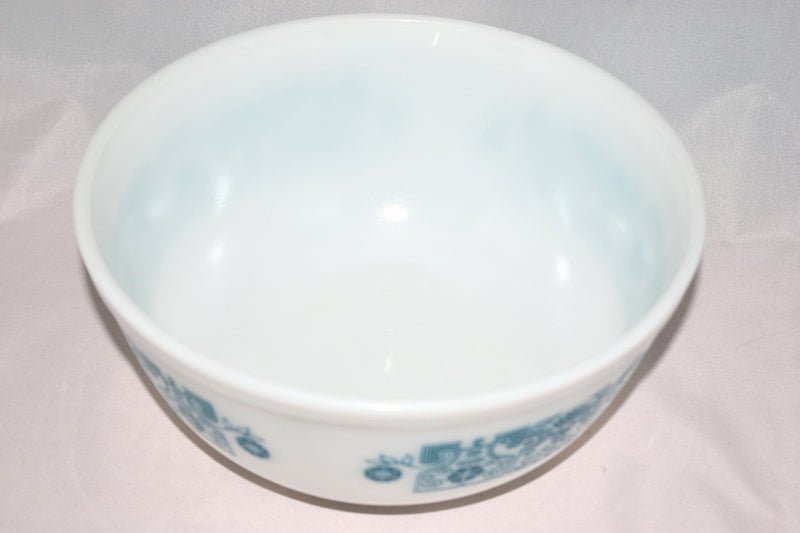 Pyrex,mixing bowl - Vintage Glassware RetroReclaimations.com