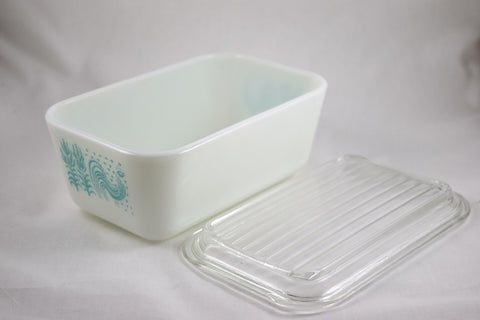 "Pyrex ""Butterprint"" 1.5 pint Refrigerator Dish-1957 - Retro Reclaimations - 4"
