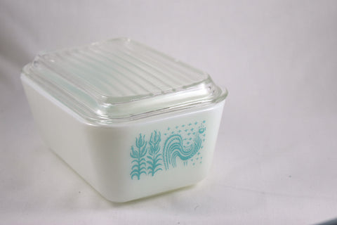 "Pyrex ""Butterprint"" 1.5 pint Refrigerator Dish-1957 - Retro Reclaimations - 1"