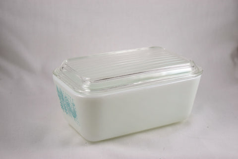 "Pyrex ""Butterprint"" 1.5 pint Refrigerator Dish-1957 - Retro Reclaimations - 3"