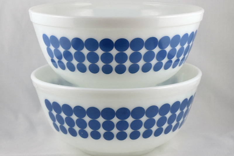 Vintage Glassware-Pyrex-Mixing-Nesting-Bowl-Blue Dots-1968 - Retro Reclaimations - 4