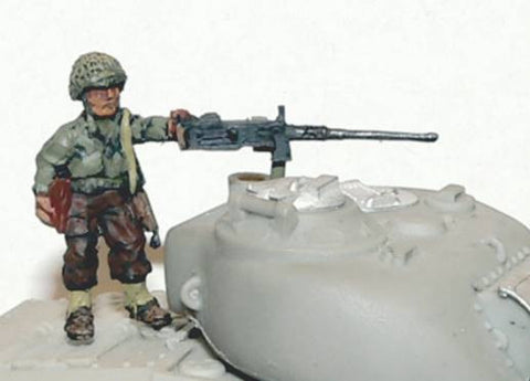 Miniatures - Kelly holding .50cal