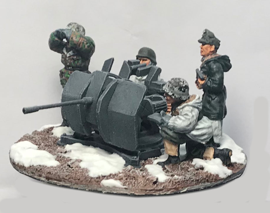 Miniatures German flak crew in winter uniform (4)