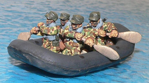 Game Miniatures -  Alamo Scouts  Raft and Paddlers