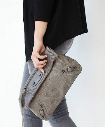 SOFT CALFSKIN 140  CLASSIC ENVELOPE CLUTCH [NORTH GREY] 클래식 엔벨롭 클러치 [노스그레이]