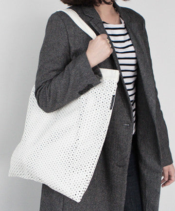 PS0408 Punching Big Shopperbag [Black / White] 펀칭 빅쇼퍼백 [블랙/화이트]