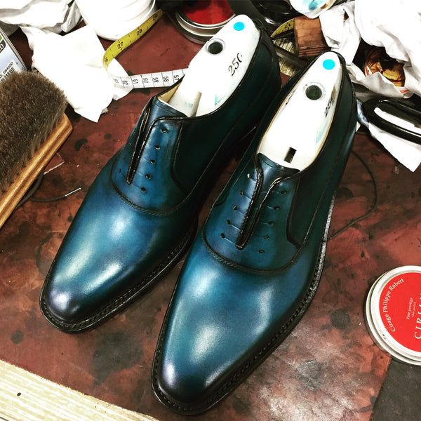 Man's patina dress shoes