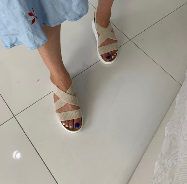 Comfortable band sandals