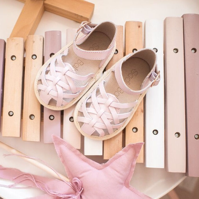 ELEANOR SANDAL ROSE QUARTZ