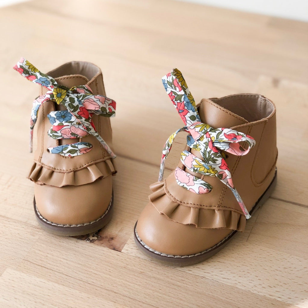 Alex boot tan for girls with poppy and daisy shoelace - Sadie Baby