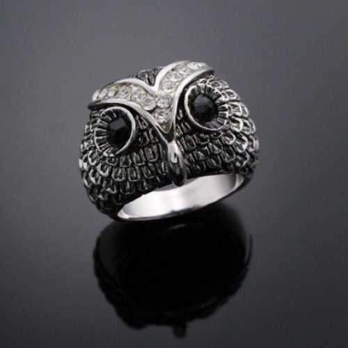The Unique Design of the Owl Pattern Male Ring