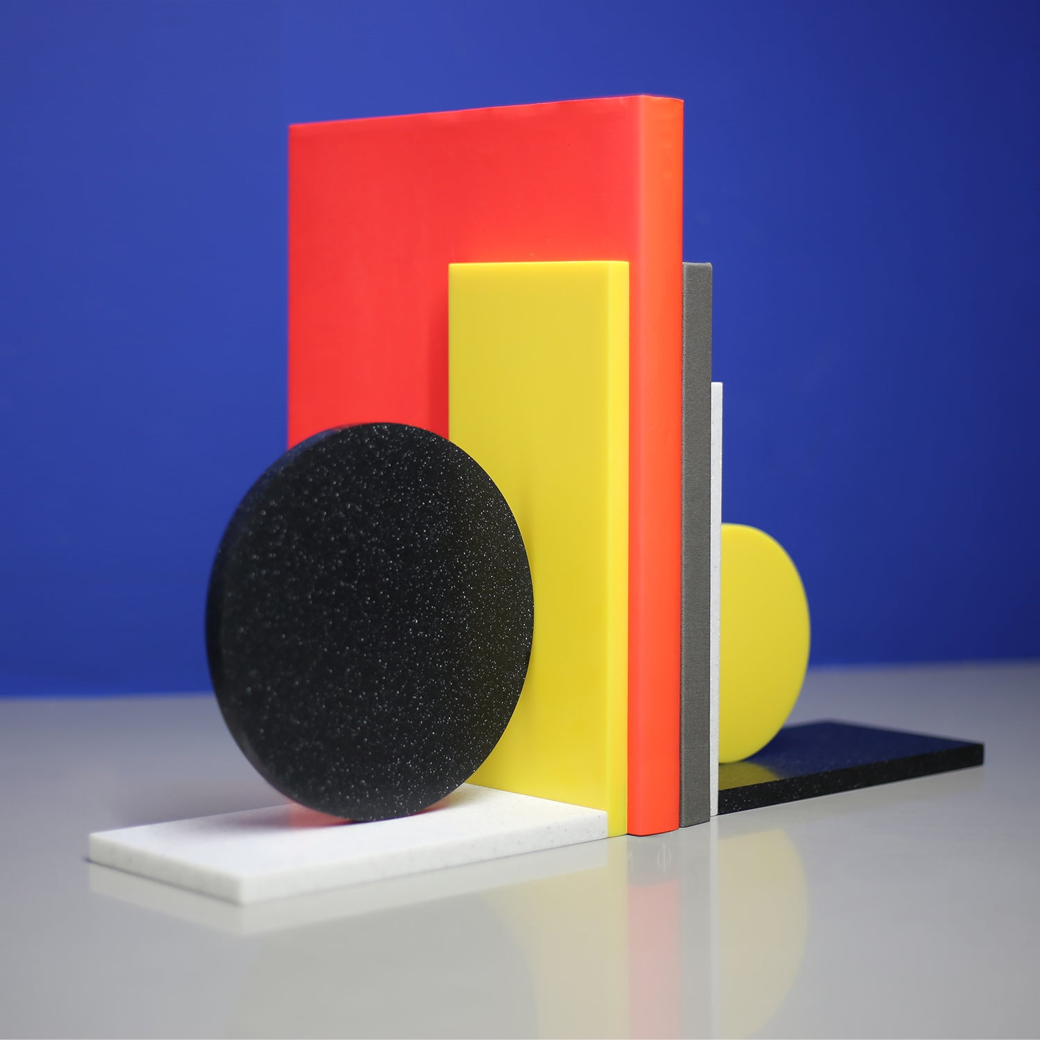 Dot bookends