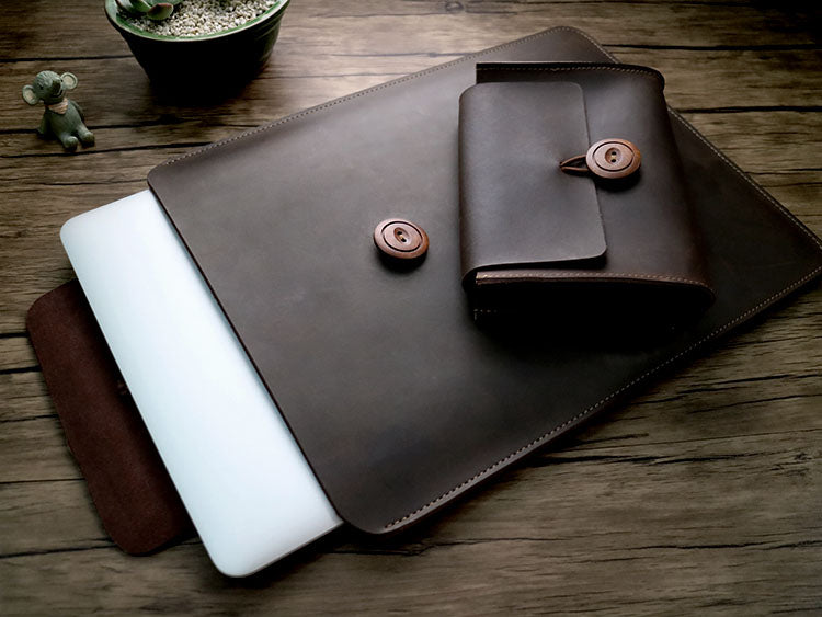 "Genuine Leather  Envelope Sleeve for MacBook Air, Pro, Retina 11.6"",12"",13.3"",15.4""    - Free gift - Sleeve for cables and mouse"