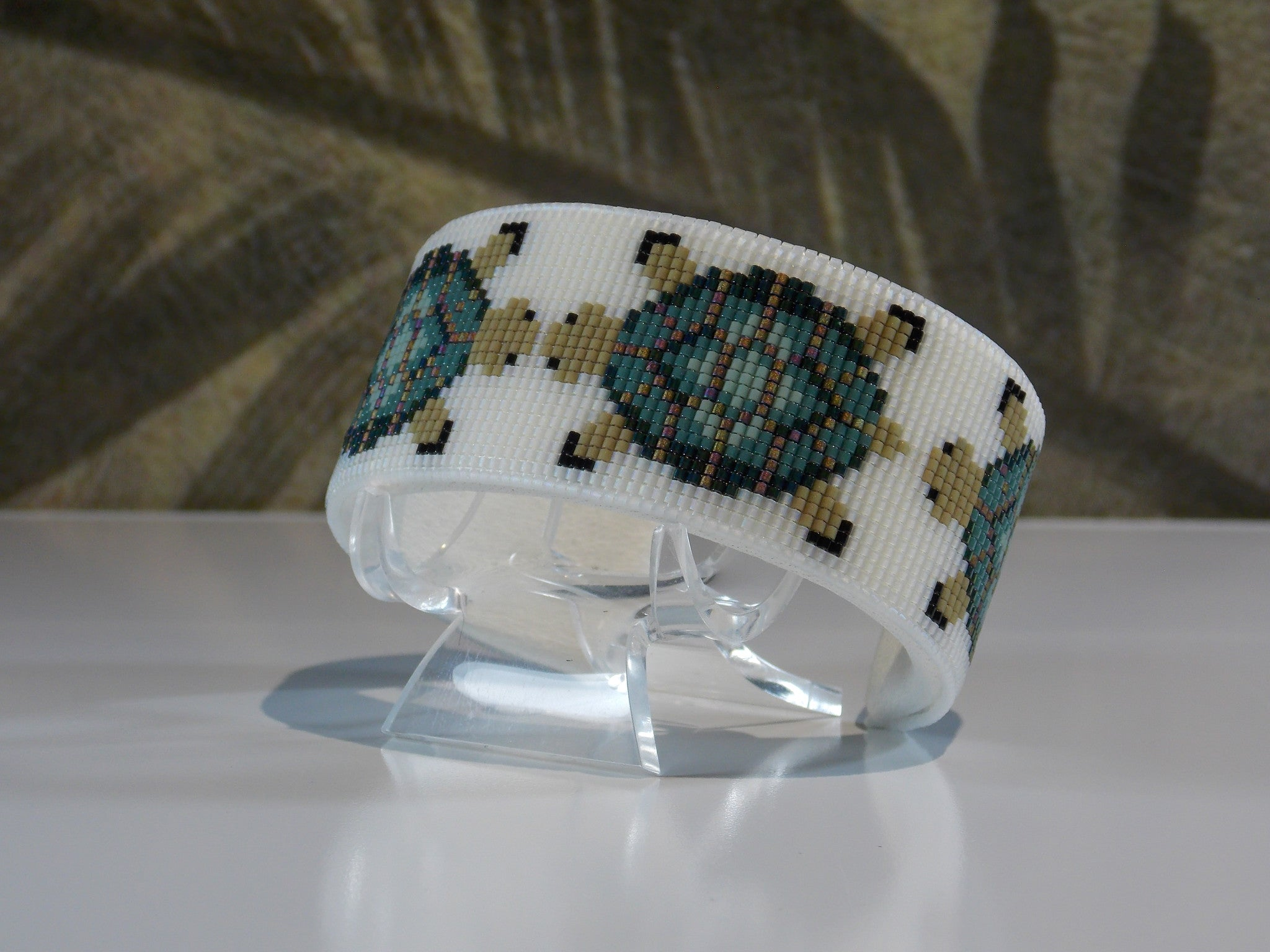 Frosted Crystal Mother Earth Turtle American Indian Beaded Copper Cuff Bracelet