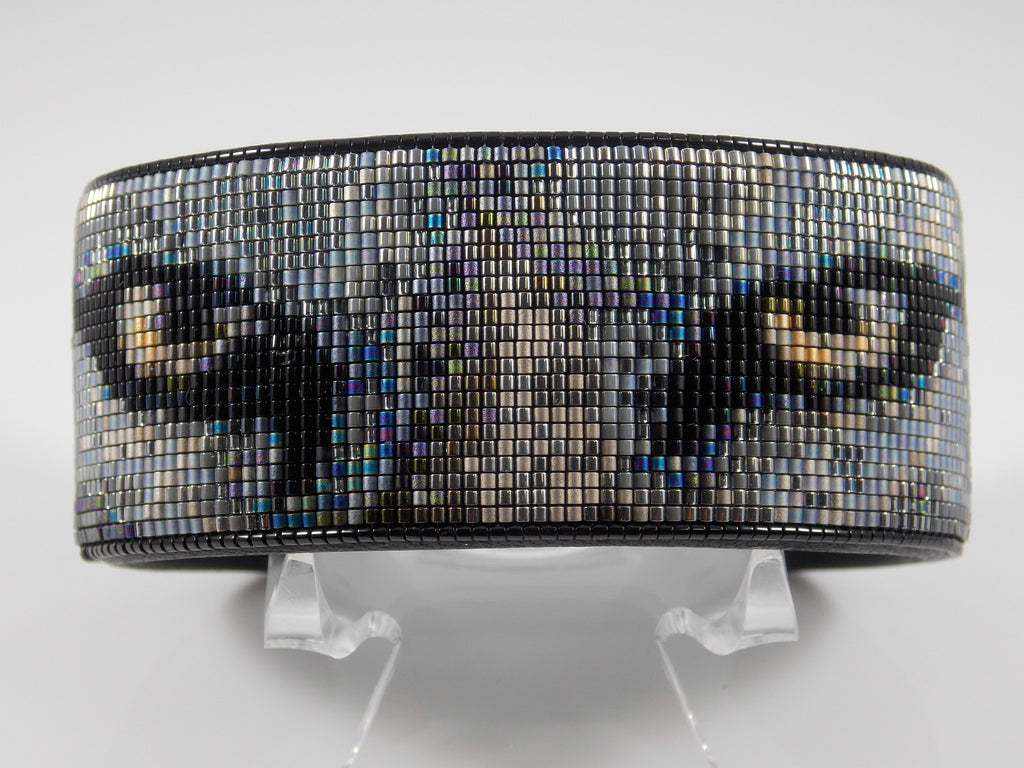 Native American Beaded Gray Wolf Cuff Bracelet Wildlife