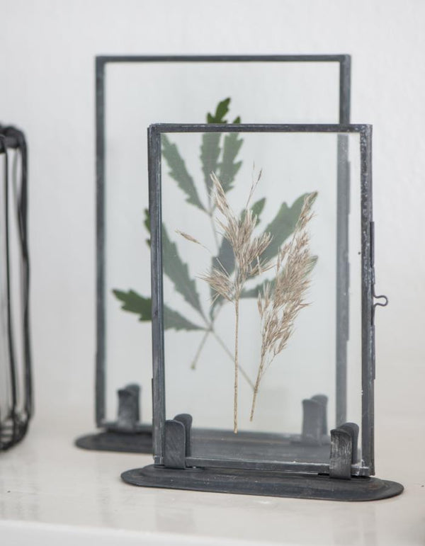 Metal Picture Frame on Stand