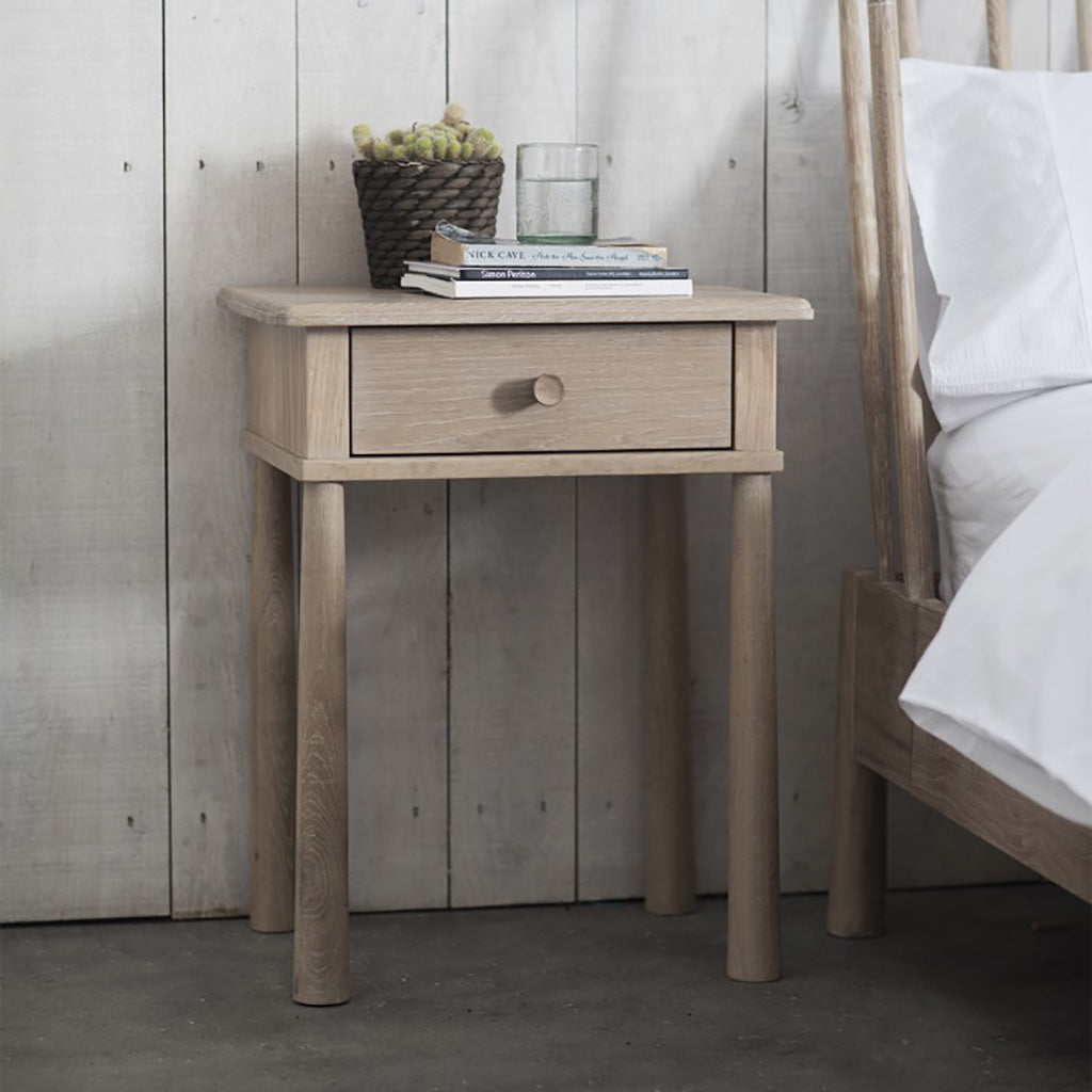 Highgate Oak 1 Drawer Bedside Table