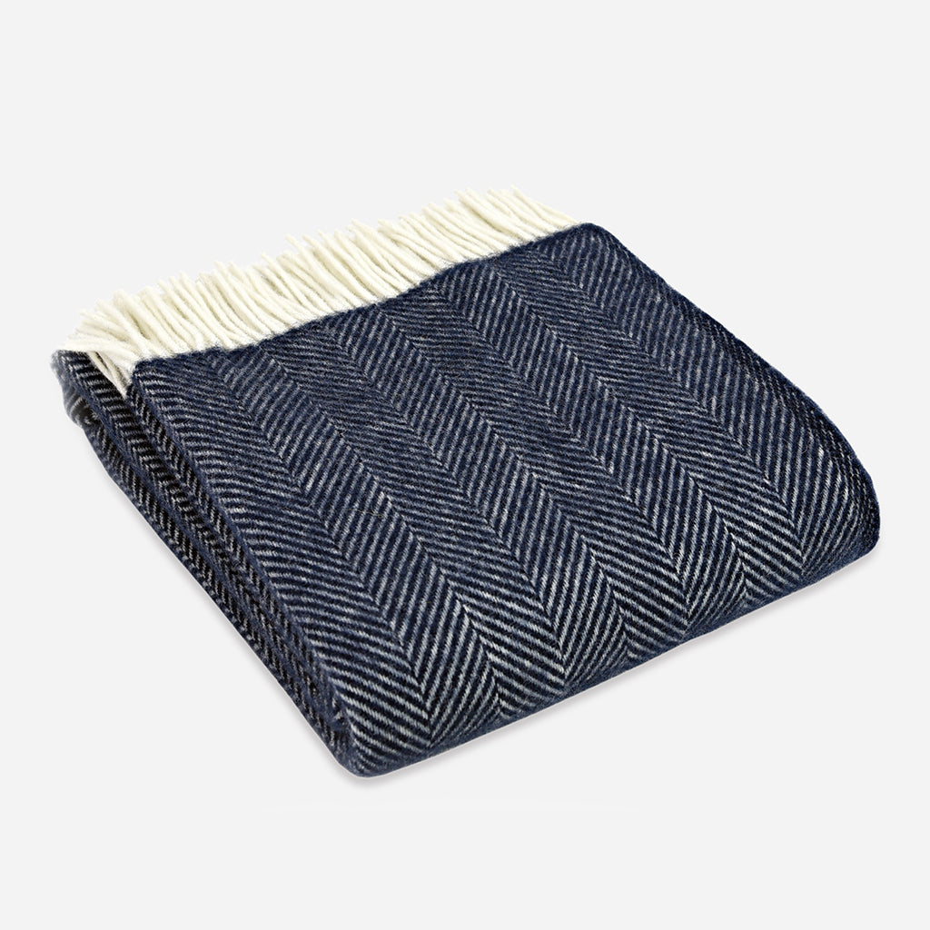 Fishbone Throw in Navy