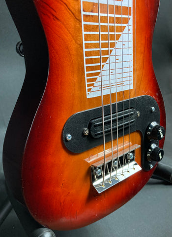 Squier Classic Vibe 60's Jazz Bass Fretless 4-String Bass Guitar Vintage Sunburst