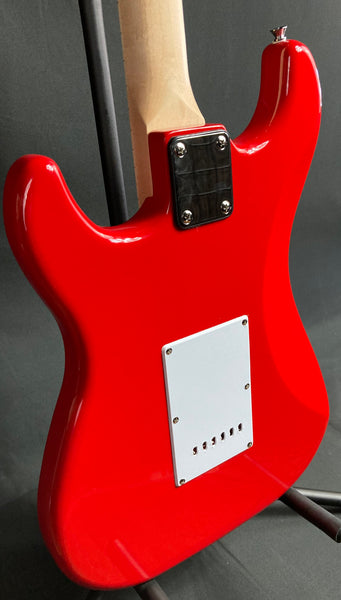 Nashville Guitar Works 135RD S-Style Electric Guitar Gloss Red