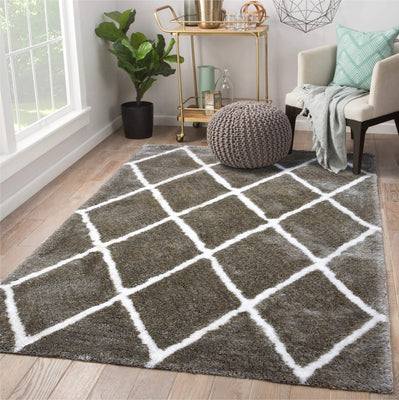 4'10'' x7' 10''  Silver White Color Hand Woven Rug.