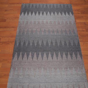 5'x7' Hand Made Wool  Geomteric Graphic Oriental Area Rug Light Grey, Dark Grey Color