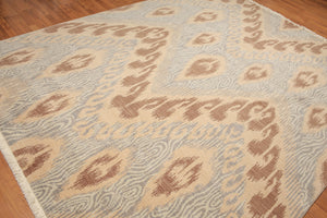 Oriental Hand-Knotted Wool Traditional Ikat Design (8'x10')