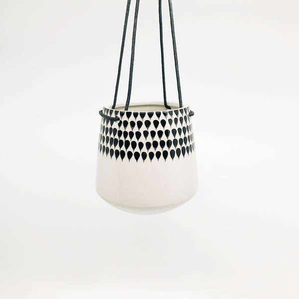 Hanging planter - Jet Black Raindrops