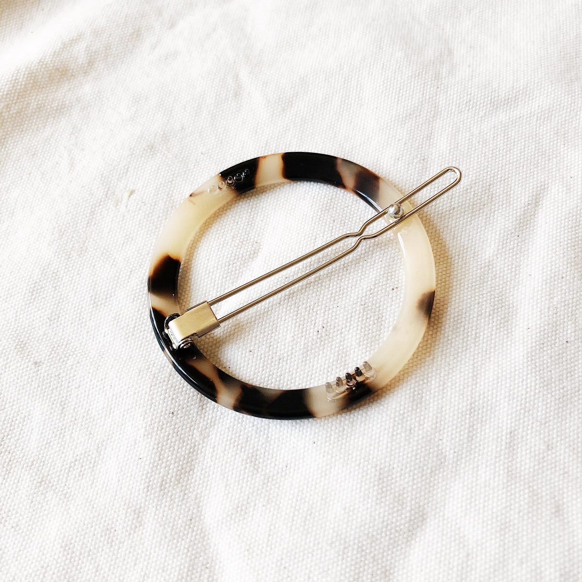 Tortoise Shell Open Circle Clip