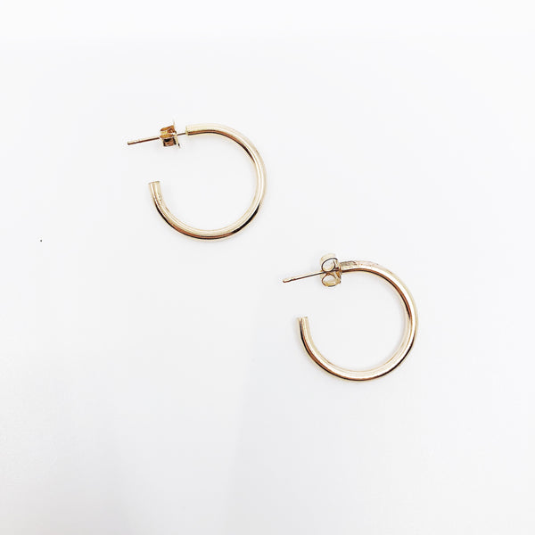 Lark Medium Solid Hoops (Pair)