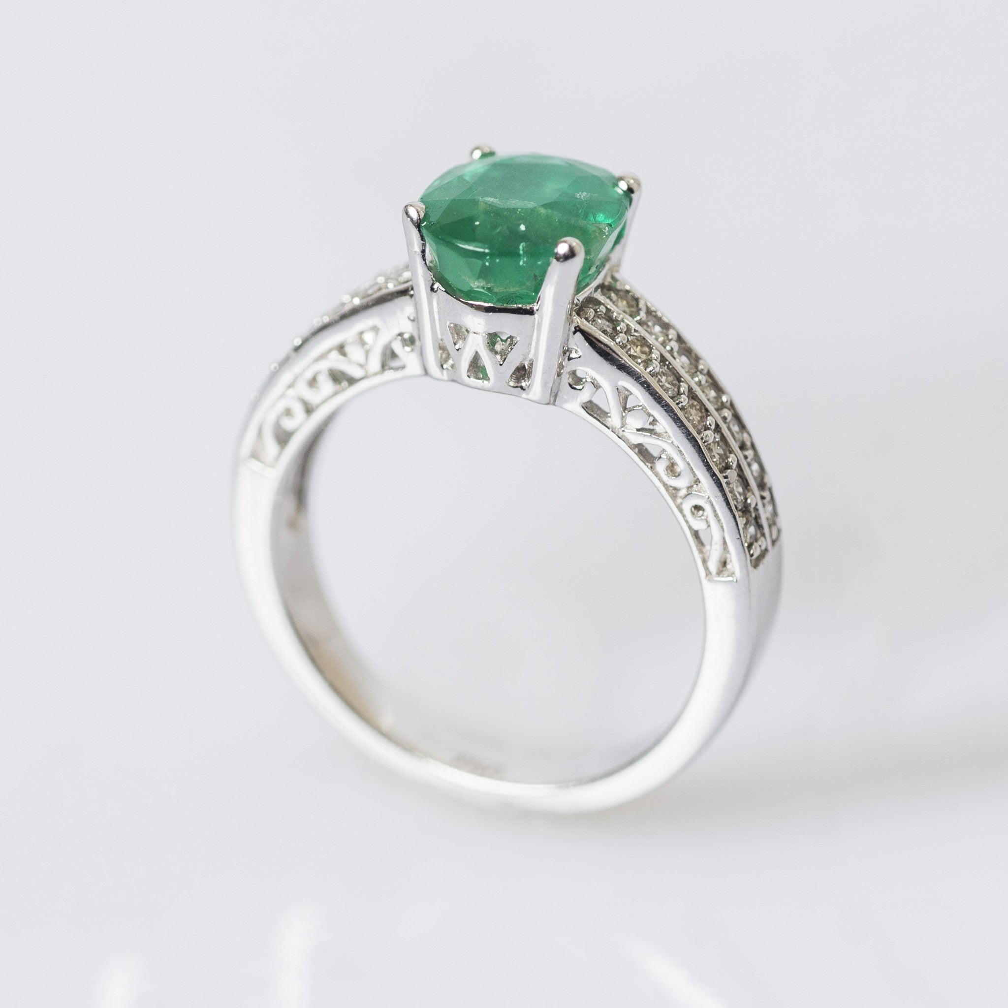 gold ozdil diamond owned emerald dsc pre ring products jewellers and