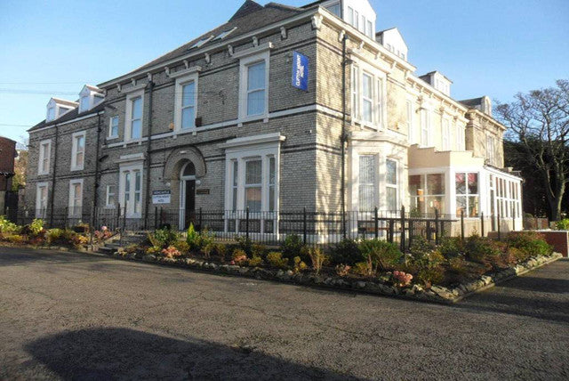 Cheap Hotel in Newcastle - Clifton Mount Hotel