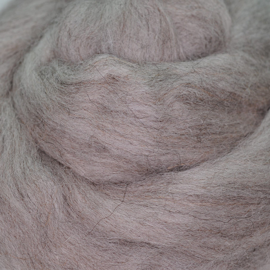 Grey Shetland Combed Wool Top by the oz