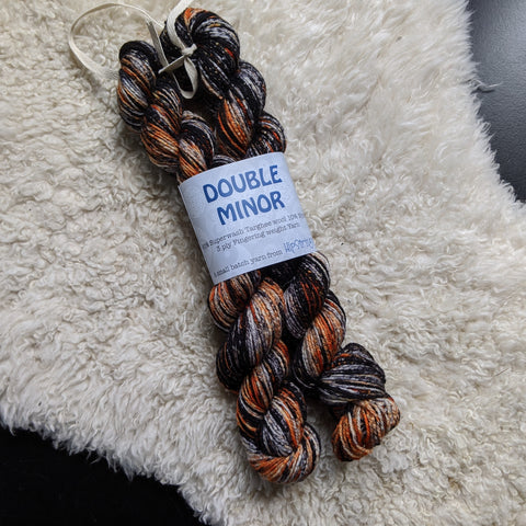 Double Minor SW Targhee Nylon Sock Yarn - Raven and Bengal - 100g