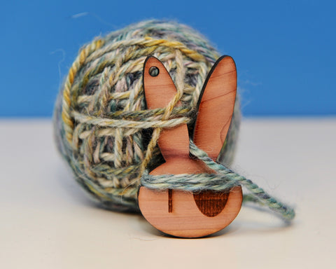 Twist Lock and Yarn Keeper - Bunnies!