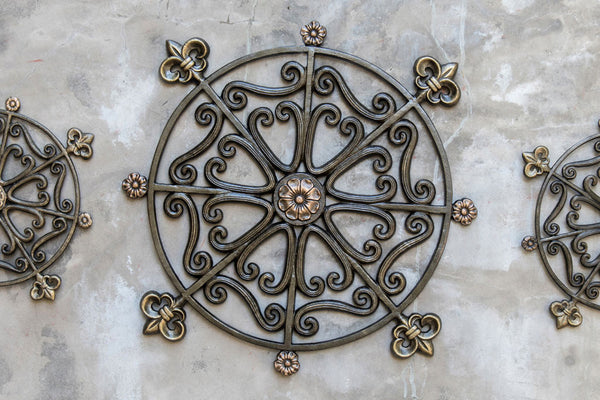 Large Rosette Wall Medallion