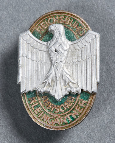 German WWII Pinback for Small Gardeners