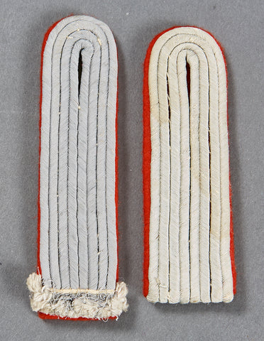German Army WWII Slip-On Shoulder Boards for Artillery Second Lieutenant