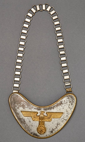 WWII German Feldhernhalle Gorget
