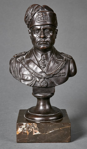 Benito Mussolini Bust, Early