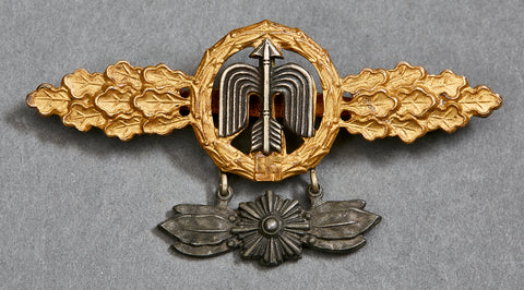 Luftwaffe Flying Clasp in Gold for Short Range Day Fighter Squadrons w/Pendant