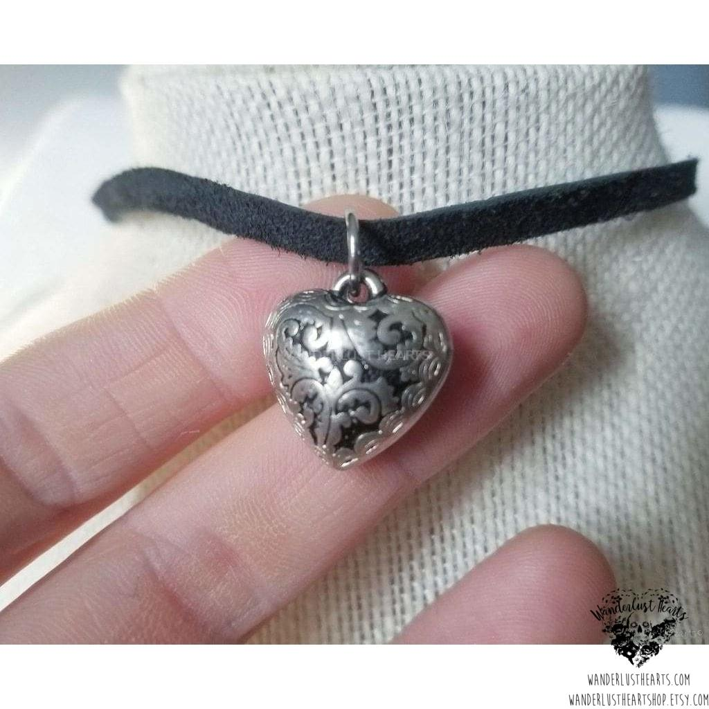 Filigree heart choker necklace-Wanderlust Hearts