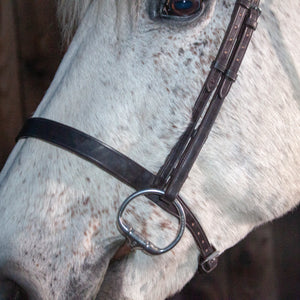 Flat cavesson hunter bridle