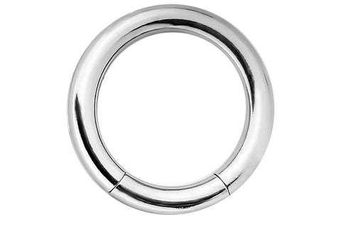 This 14 gauge segment hoop ring is hypoallergenic and nickel free. It can be worn in a variety of 14 gauge body piercings.