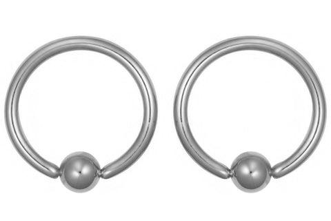These CBR rings are made with solid Grade 23 Titanium. They are 16 gauge and 11 mm in diameter with 4 mm balls.
