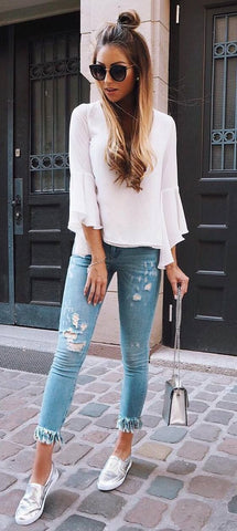 10 Ways To Wear Jeans This Fall - Caroline Einhoff