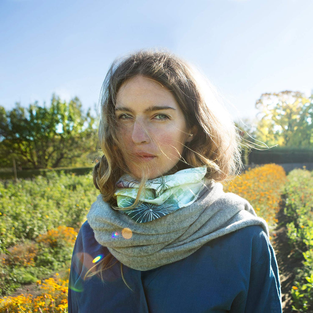 Forget-me-not scarf, Wild meadow